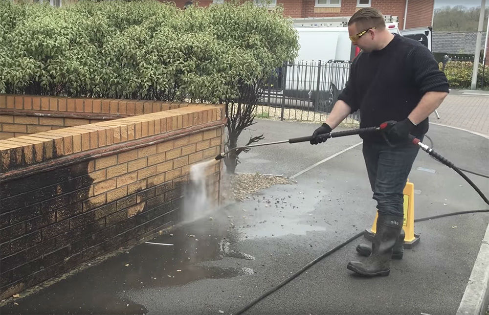 Why Book In To Have Your Home Pressure Washed Crystal